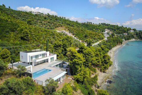 Luxury Seafront Property in Skiathos Greece. Hyperlux Seafront Villa in Greece 23