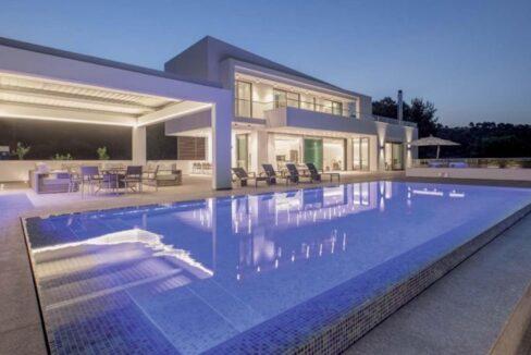 Luxury Seafront Property in Skiathos Greece. Hyperlux Seafront Villa in Greece 25