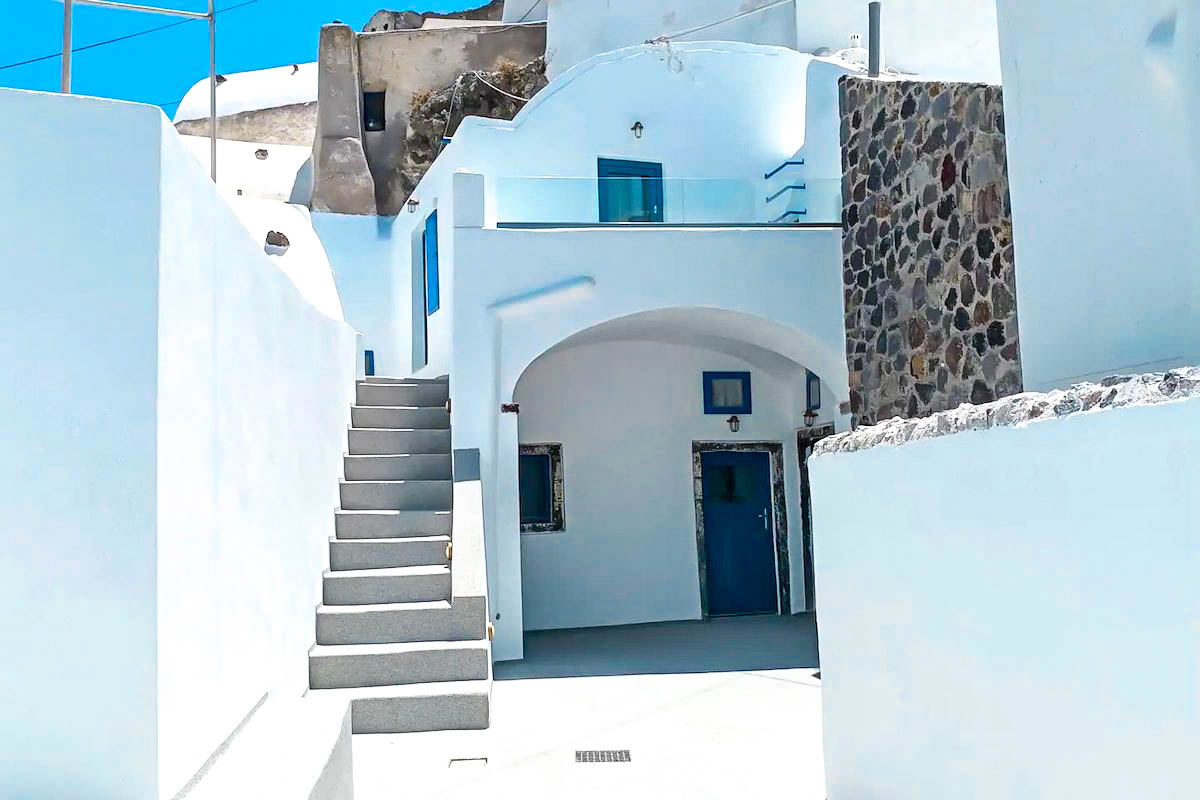 Property of 4 studios Santorini for sale, Akrotiri