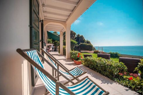 Seafront House in Corfu for sale. Corfu Properties 19