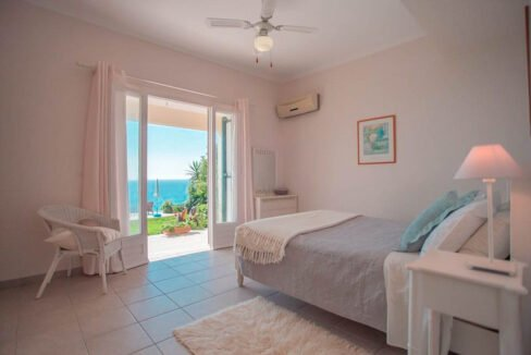 Seafront House in Corfu for sale. Corfu Properties 20