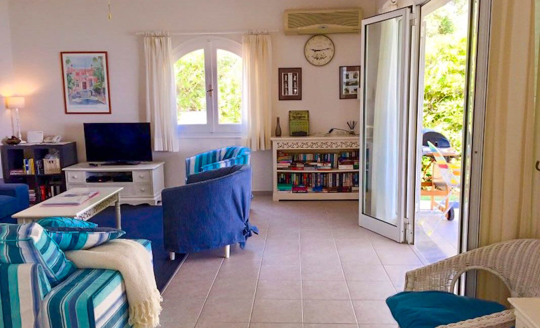 Seafront House in Corfu for sale. Corfu Properties 24