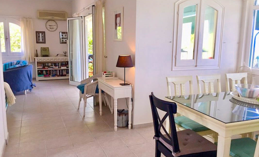 Seafront House in Corfu for sale. Corfu Properties 25
