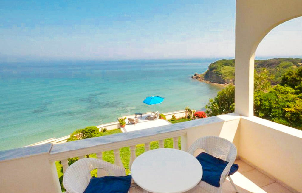 Seafront House in Corfu for sale. Corfu Properties 3