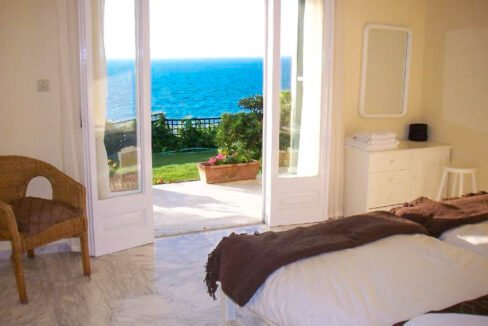 Seafront House in Corfu for sale. Corfu Properties 32