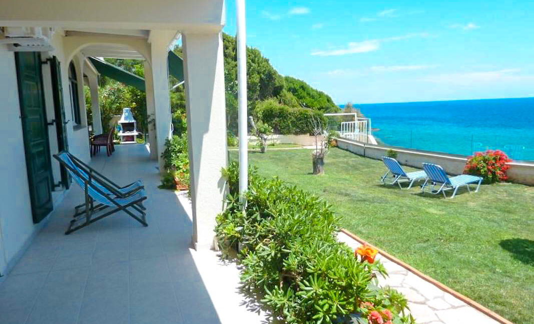 Seafront House in Corfu for sale. Corfu Properties 40