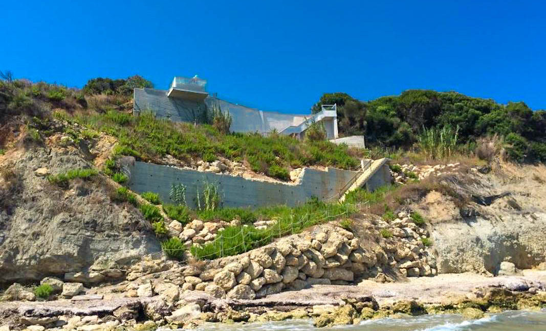 Seafront House in Corfu for sale. Corfu Properties 43