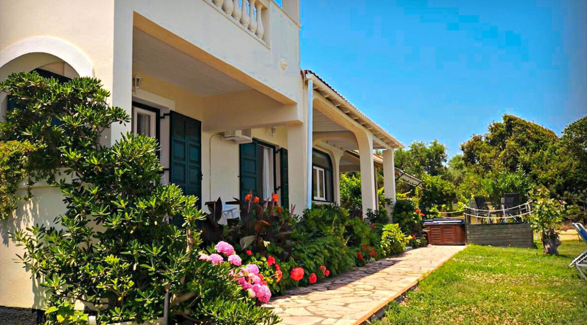 Seafront House in Corfu for sale. Corfu Properties 5