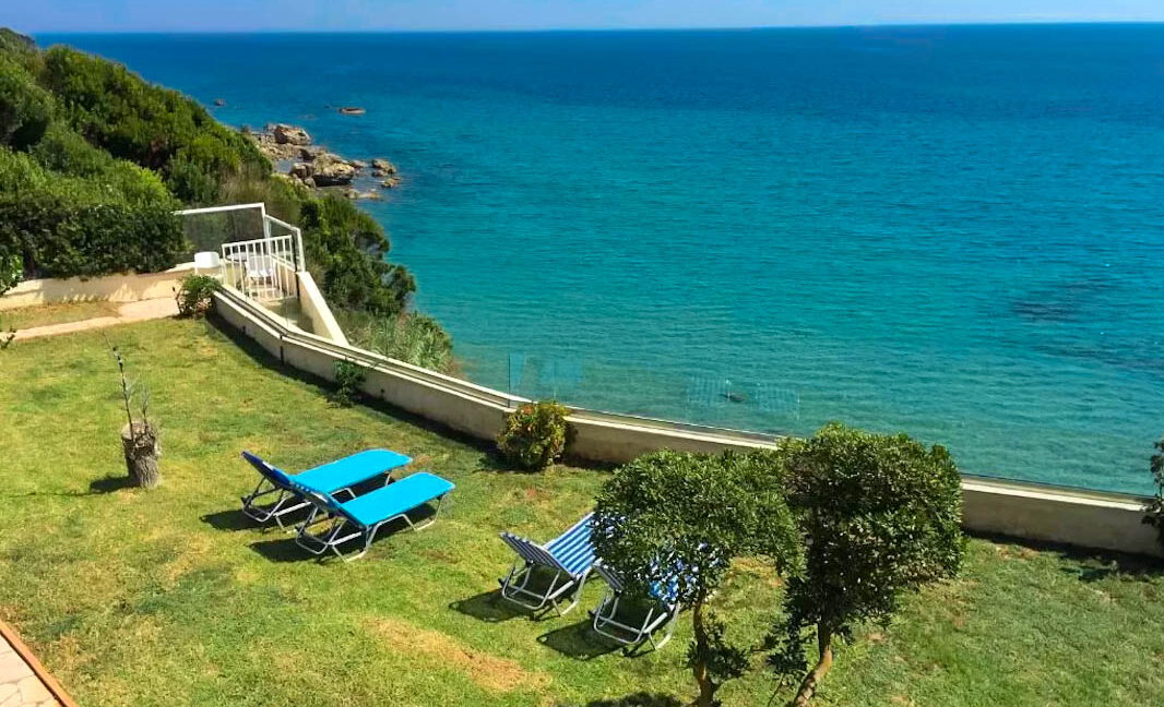 Seafront House in Corfu for sale. Corfu Properties 7