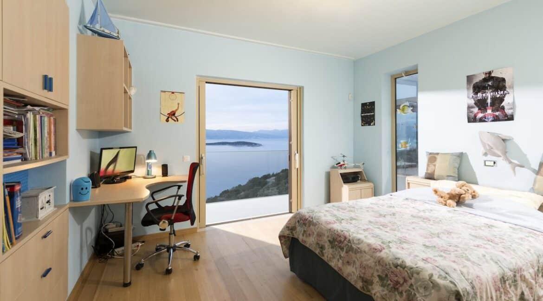 Villa in Elounda Crete, Luxury Villa with Sea View in Crete 9