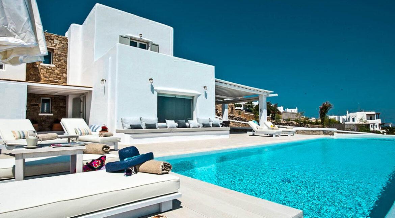 Villa near Chora Mykonos, Villa in Tourlos Mykonos for Sale 1