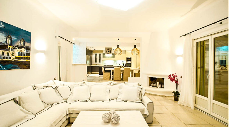Villa near Chora Mykonos, Villa in Tourlos Mykonos for Sale 14