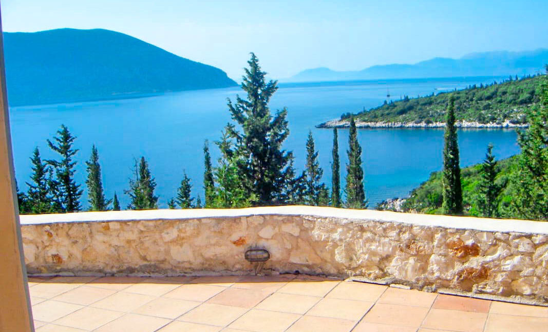 Villas by the sea in Fiscardo Kefalonia for sale. Properties Kefalonia