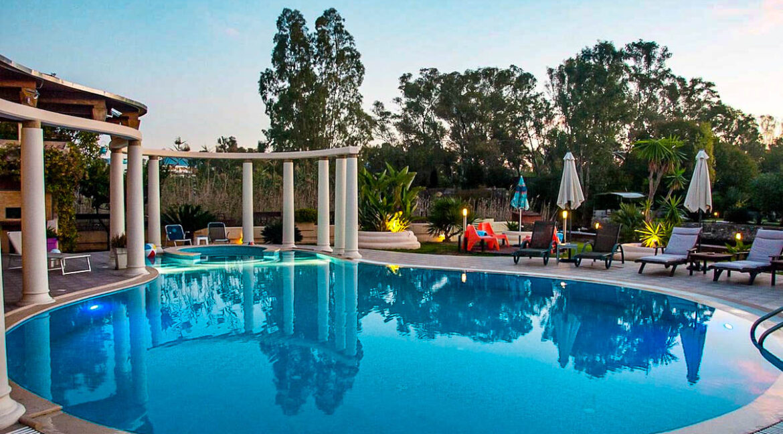 Corfu town Villa with deck for your boat, Corfu Luxury Properties. Corfu Luxury Homes 27