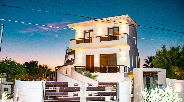 Corfu town Villa with deck for your boat, Corfu Luxury Properties. Corfu Luxury Homes 3