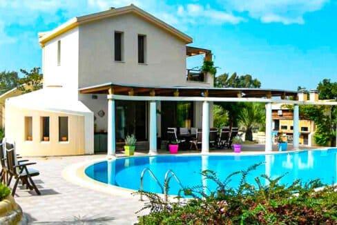 Corfu town Villa with deck for your boat, Corfu Luxury Properties. Corfu Luxury Homes 31