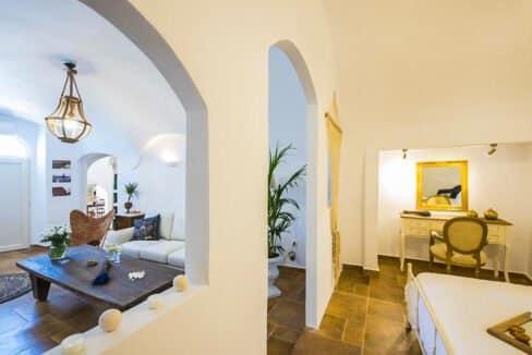 House for sale in Santorini, in Karterados, Property for Sale in Santorini 1