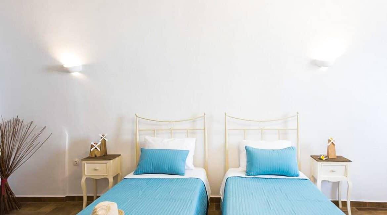 House for sale in Santorini, in Karterados, Property for Sale in Santorini 2