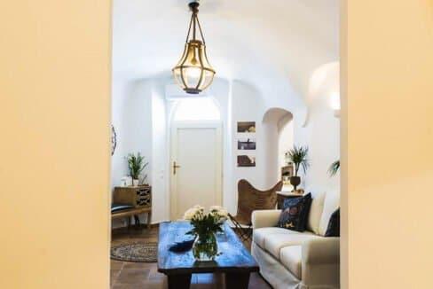House for sale in Santorini, in Karterados, Property for Sale in Santorini 3