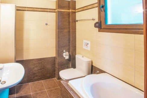 Kassandra Luxury beachfront villa, Palliouri Halkidiki. Halkidiki Properties 30