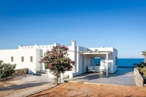 Seafront Detached Houses Naxos Island, Seafront Property Naxos Greece for sale. Properties in Greek Islands