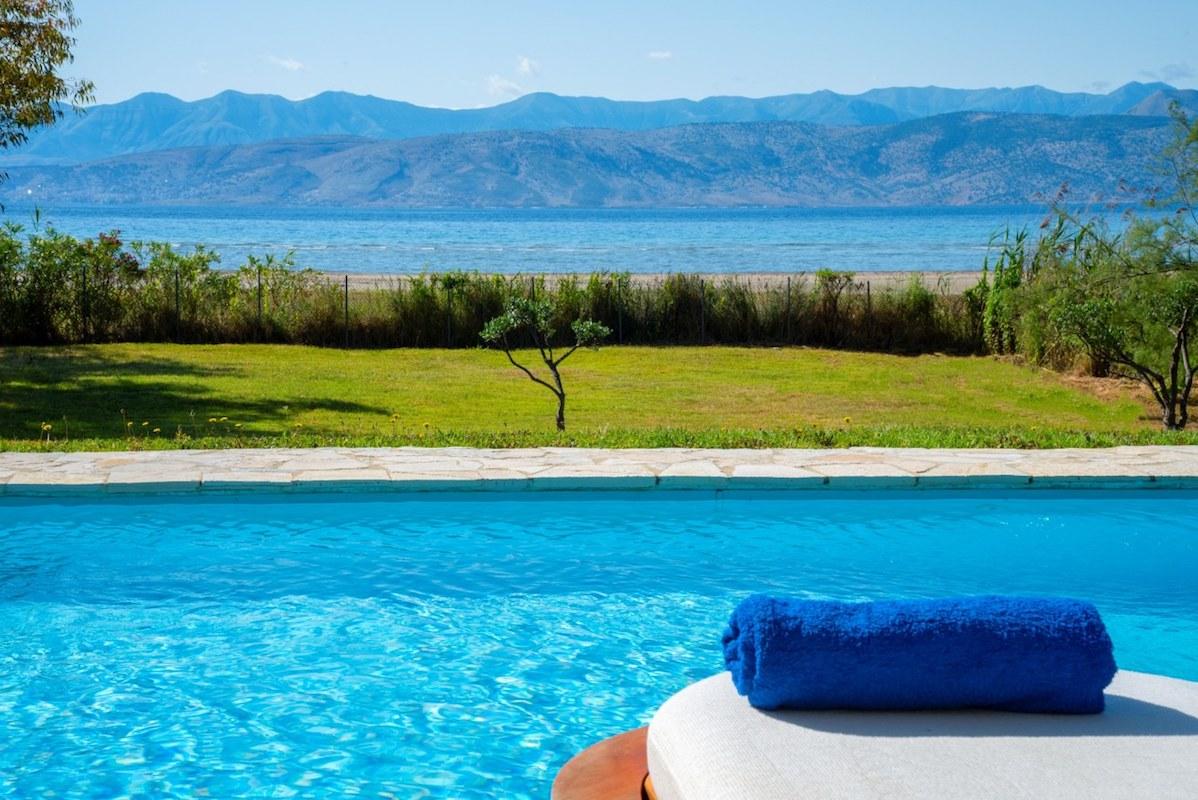 On the beach! Seafront Villa at Corfu, Kassiopi