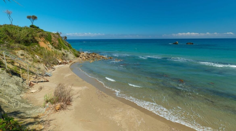 Beachfront Villa for Sale Corfu Greece, Corfu Seafront Properties for sale 9