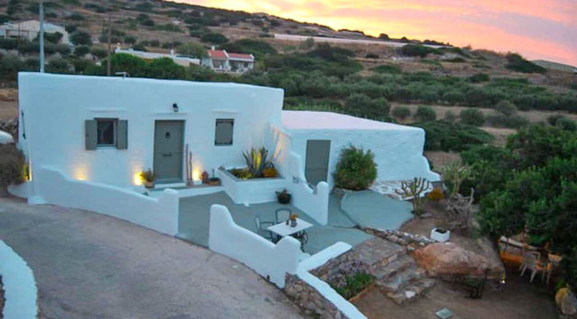 High aesthetic studios Syros Island Cyclades Greece for sale. Economy Houses Greek Islands 10