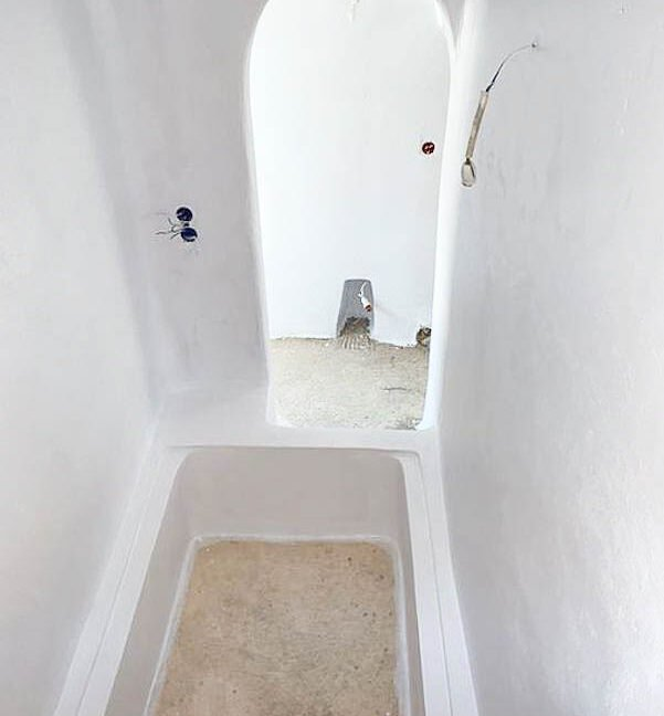 House at Kasteli Santorini for Sale with 2 Bedrooms. Santorini Houses for sale 22