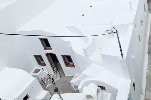 House at Kasteli Santorini for Sale with 2 Bedrooms. Santorini Houses for sale 23