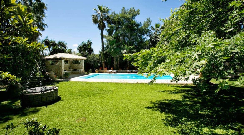 Luxury Seafront Villa in Corfu Greece for sale 34