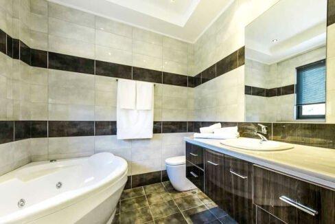 Luxury Villas in Lefkada Greece for sale, Hill Top Villa in Lefkada for Sale 12