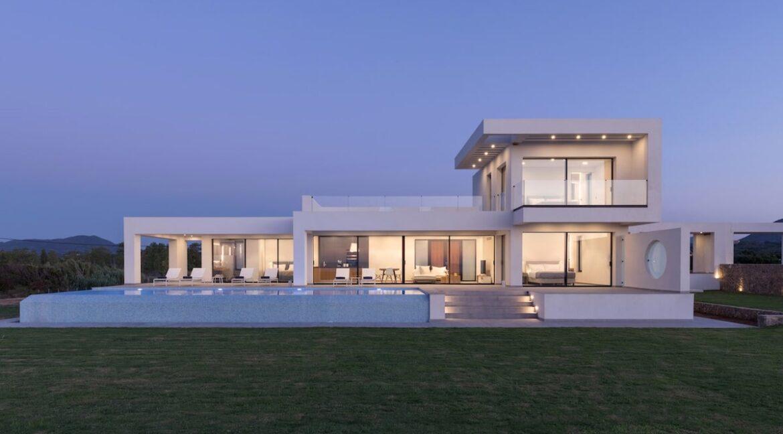 Seafront Villa Corfu Greece for sale. Corfu Luxury Properties for sale 7
