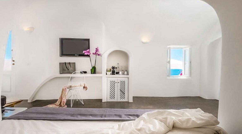 Luxury Caldera Suite Oia Santorini Greece for sale. Santorini Properties 1