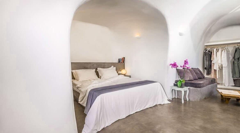 Luxury Caldera Suite Oia Santorini Greece for sale. Santorini Properties 2