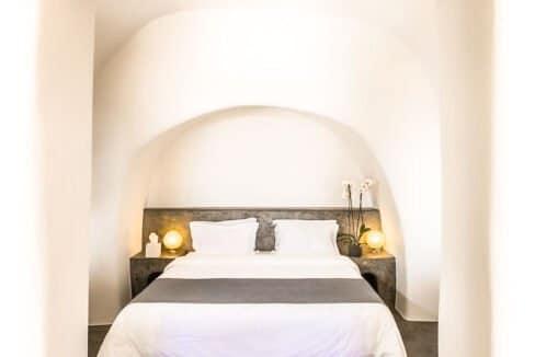 Luxury Caldera Suite Oia Santorini Greece for sale. Santorini Properties 9