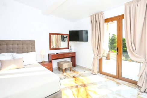 Mansion with helipad in Halkidiki Greece, Luxury Estate in Chalkidiki Greece for sale 49