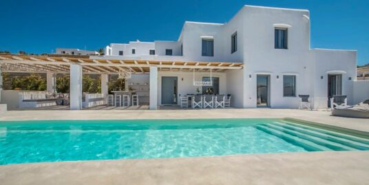Villa within walking distance to the beach in Naxos Cyclades