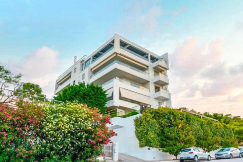 Apartment with a garden and a swimming pool, Varkiza Athens for sale. Luxury Property for sale near Vouliagmeni 15