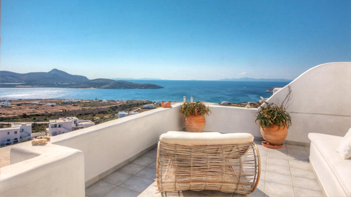 Property of 4 Houses Antiparos Greece, Investment