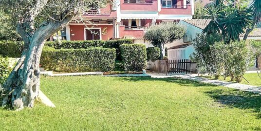 Seafront Beach House in Corfu, Maisonette of 2 bedrooms and pool