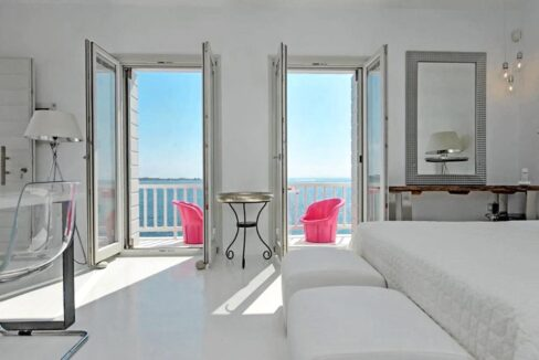 Studio With Roof Terrace In The Heart of Parikia Paros, Apartment with Sea view Paros Greece for Sale 10