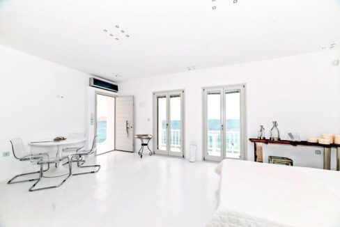 Studio With Roof Terrace In The Heart of Parikia Paros, Apartment with Sea view Paros Greece for Sale 14