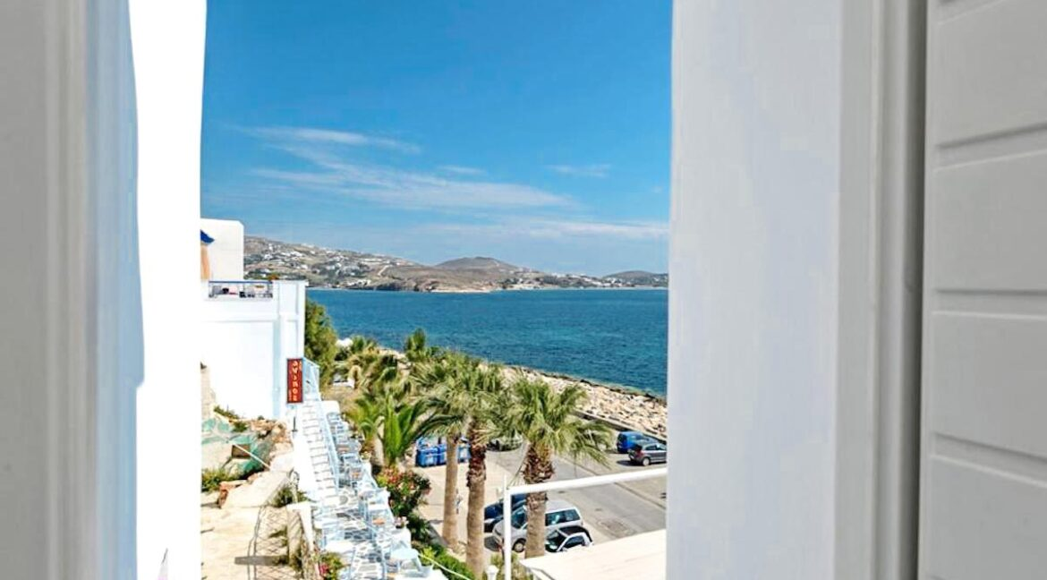 Studio With Roof Terrace In The Heart of Parikia Paros, Apartment with Sea view Paros Greece for Sale 3