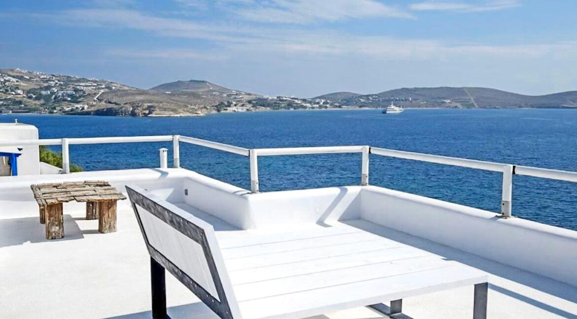 Studio With Roof Terrace In The Heart of Parikia Paros, Apartment with Sea view Paros Greece for Sale 4