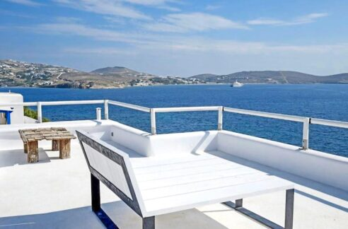 Studio With Roof Terrace In The Heart of Parikia Paros, Apartment with Sea view Paros Greece for Sale