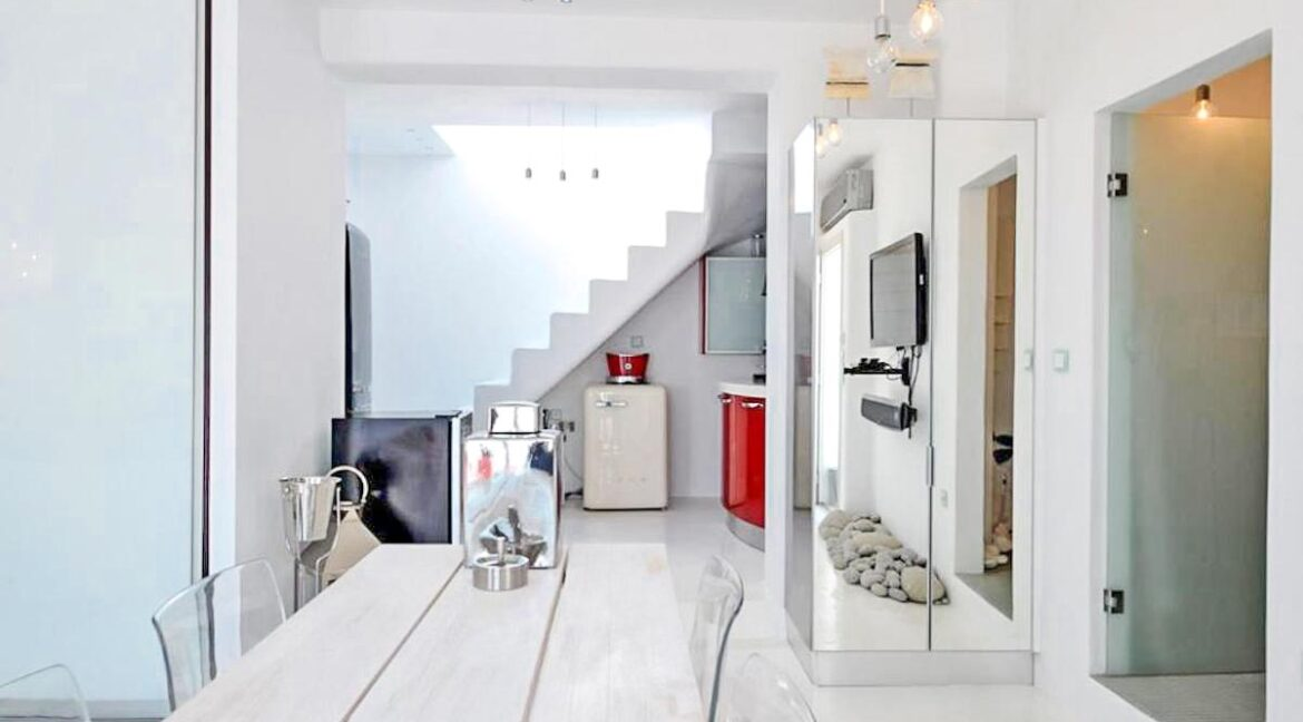 Studio With Roof Terrace In The Heart of Parikia Paros, Apartment with Sea view Paros Greece for Sale 6
