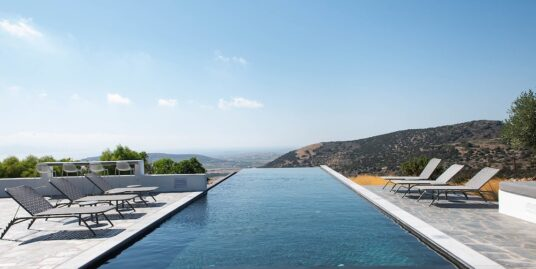Villa in Paros for sale With Stunning Sea View