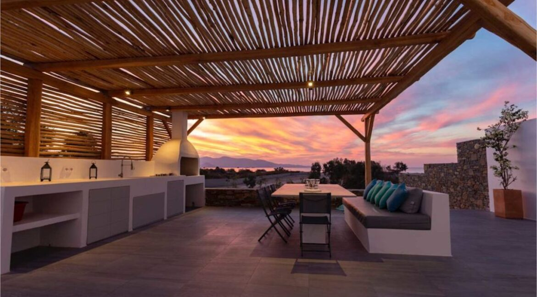 Villa on The Beach in Naxos Island in Greece for sale, Naxos Properties for sale. Properties for sale in Naxos Greece 4