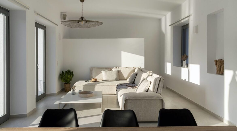 Properties for sale in Paros Greece, Paros Villas for Sale, Buy House in Paros Island 9